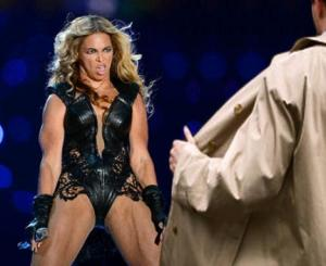 beyonce vs flasher super bowl